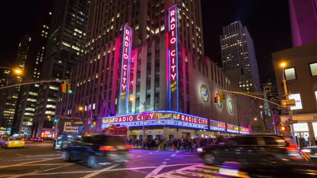 time lapse of radio city music hall at night - ラジオシティ・ミュージックホール点の映像素材/bロール