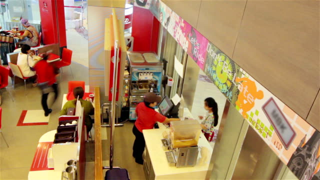 time lapse del ristorante - fast food cibo da asporto video stock e b–roll