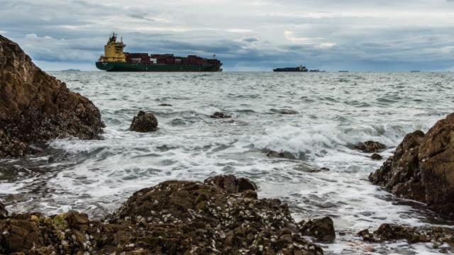 stockvideo's en b-roll-footage met time-lapse van rock met het strand - sedimentary rock