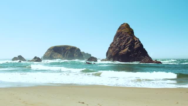 time lapse of rocky beach scenic, oregon coast, america - oregon coast stock videos & royalty-free footage