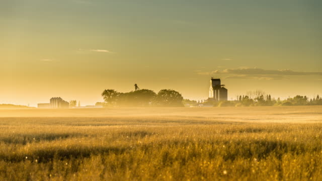 time lapse of small town aberdeen, sk - prairie stock videos & royalty-free footage