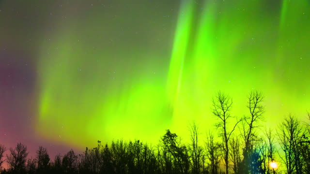 time lapse of stars and northern lights - dancing with the stars stock videos & royalty-free footage