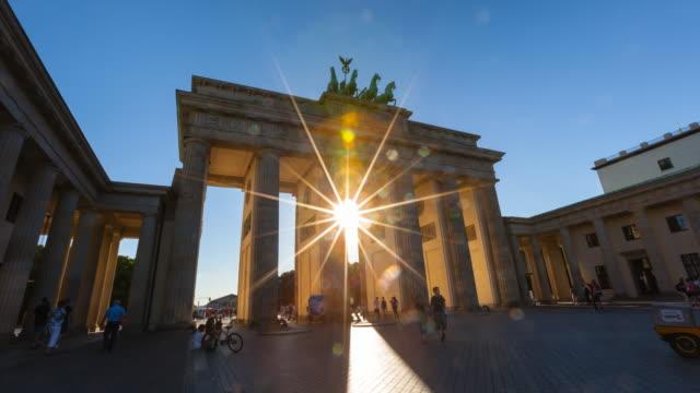 Time Lapse of sun shining through Brandenburg Gate