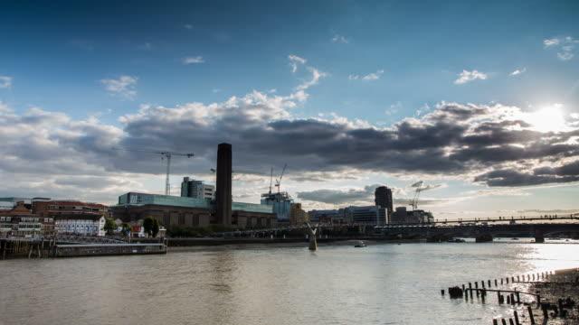 london - circa 2013: time lapse of tate modern and millennium bridge - 2013 stock videos & royalty-free footage