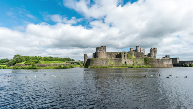 WALES - Time Lapse of the Caerphilly Castle i South Wales