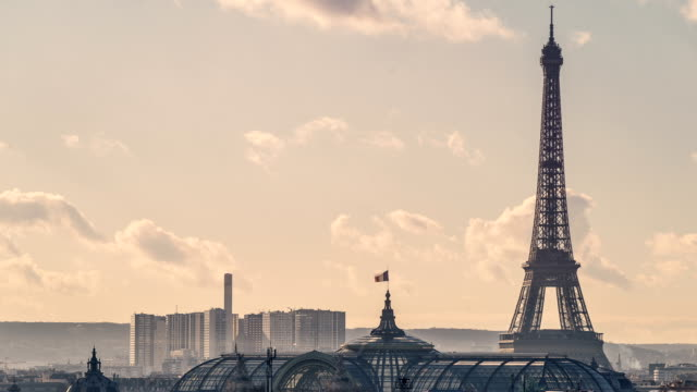 Time Lapse of the Eiffel Tower