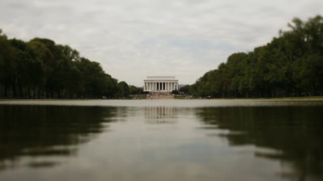 Time lapse of the Lincoln Memorial across the Reflection Pool
