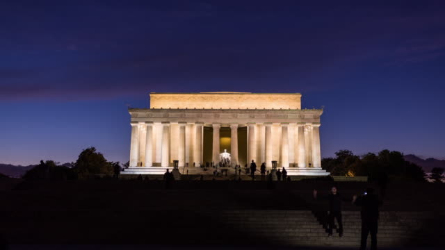 WASHINGTHON DC - CIRCA 2014: Time Lapse of the Lincoln memorial during the night