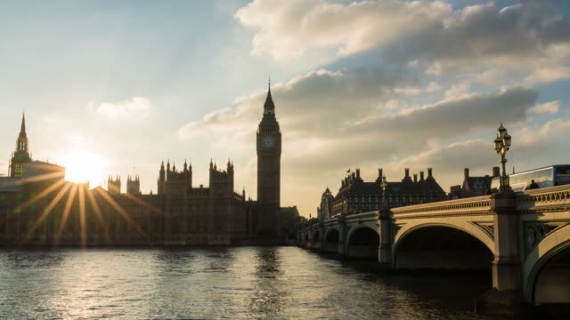 london - time lapse of the sunset looking westminster bridge and the parlament - big ben stock videos & royalty-free footage