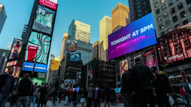 time lapse of times square at dusk, new york city - electronic billboard stock videos and b-roll footage