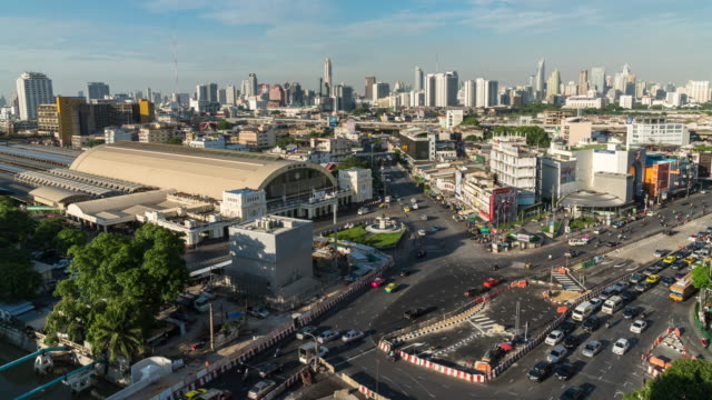 4K Time Lapse of top view which can see Bangkok Railway Station or Hua Lamphong Station at the evening rush hour, Bangkok, Thailand