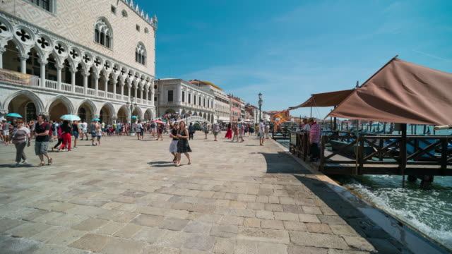 time lapse of tourist visiting at st.mark's square, venice - 14th century bc stock videos & royalty-free footage