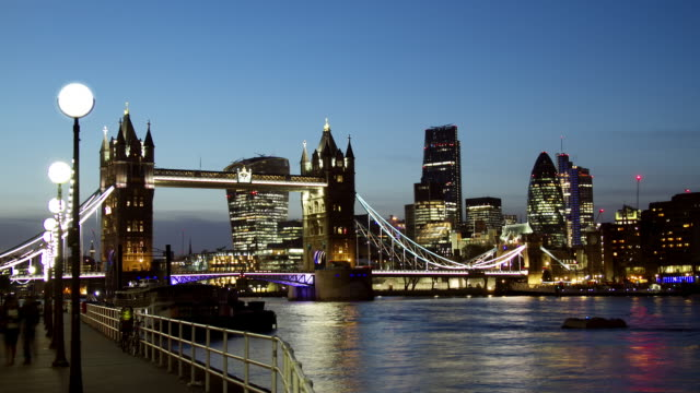 WS Time Lapse of Tower Bridge London transition from sunset to night