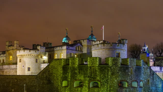 Time lapse van Tower of London 's nachts