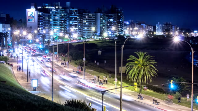 stockvideo's en b-roll-footage met time lapse of traffic, rush hour, buceo neighbourhood, montevideo - uruguay