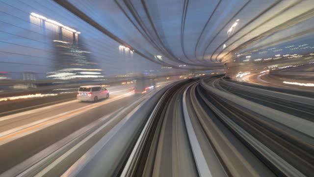 vídeos y material grabado en eventos de stock de lapso de tiempo del tren que se mueve en túnel, commuter train speeding, tokio, japón - tranvía