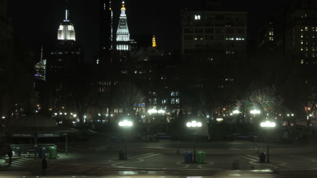 time lapse of union square at night - union square new york city stock videos and b-roll footage