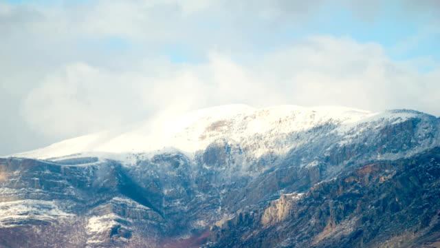 time lapse di montagna invernale - area selvatica video stock e b–roll