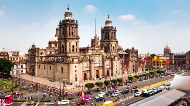 zeitraffer der zocalo quadrat in mexiko-stadt - mexico city stock-videos und b-roll-filmmaterial