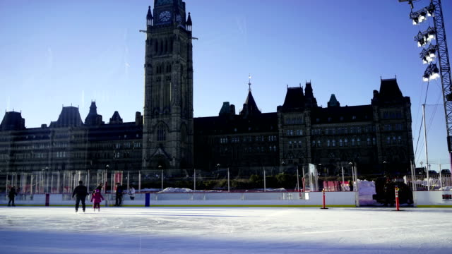 time lapse: parliament hill in ottawa - parliament hill stock videos & royalty-free footage