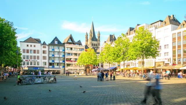 4 K time-lapse: voetganger druk op Rijn tuin stadsplein