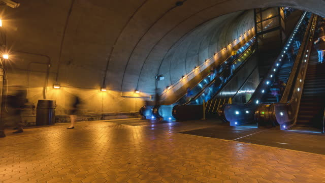 4k uhd time lapse : people using escalator at washington dc metro train station in rush hour, united states, public transportation - smithsonian institution stock videos & royalty-free footage