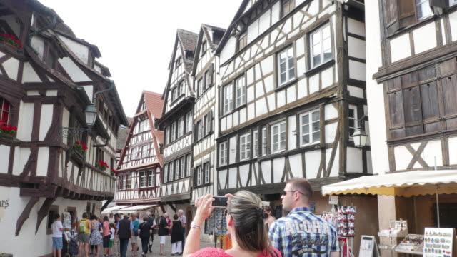 vidéos et rushes de temps qui passe à strasbourg-petite france - strasbourg