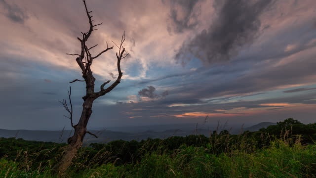 time lapse sequence showing dawn breaking over the shenandoah national park. - appalachian mountains stock videos & royalty-free footage