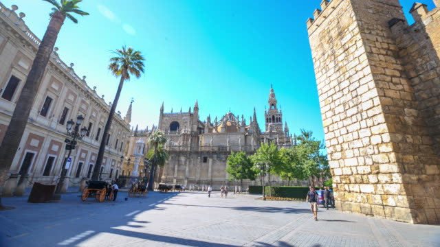 4K Time Lapse : Seville cathedral.