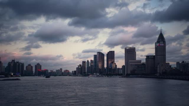 time lapse -shanghai huangpu river - river huangpu stock videos & royalty-free footage
