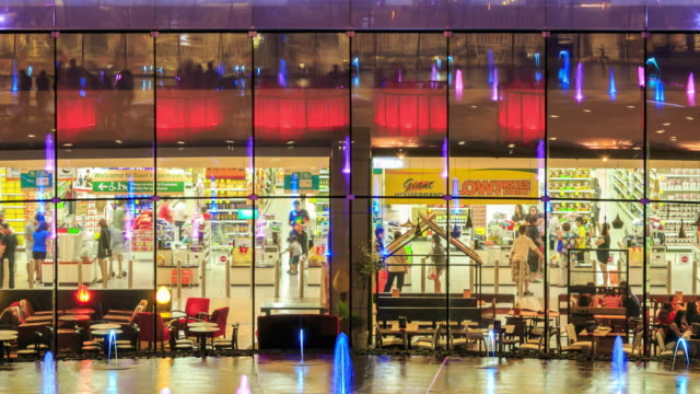 4K Time Lapse : Shopping supermarket