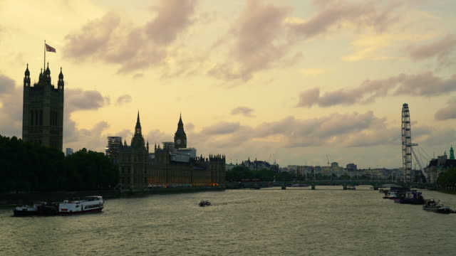 Time lapse shot of a sunset over the River Thames.