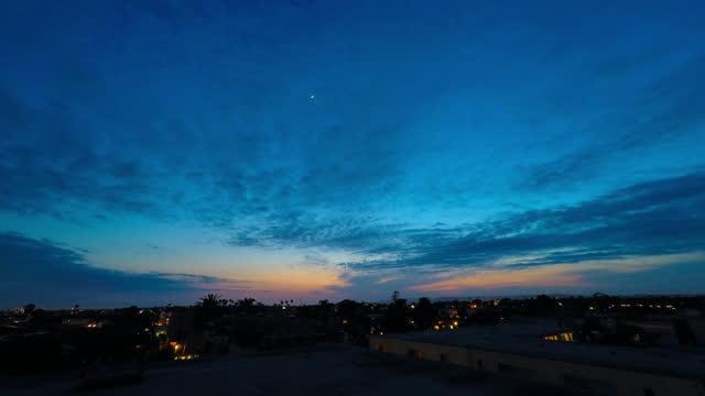 vídeos y material grabado en eventos de stock de time lapse shot of beautiful view of city against cloudy sky during sunset - culver city, california - lapso de tiempo a cámara rápida