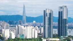 Time lapse shot of Seoul cityscape with Lotte Tower and Han River, South Korea