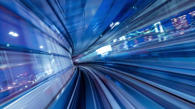 vídeos de stock, filmes e b-roll de lapso de tempo 4k (spin): sightseeing de trem automático à noite, tóquio, japão-vídeo stock - ponto de vista de trem