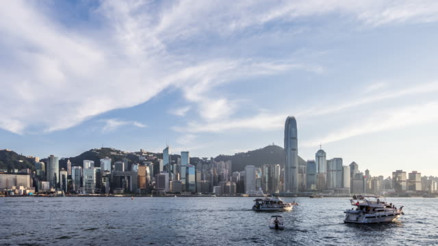Time Lapse - Skyscrapers in Hong Kong (Zoom Out)