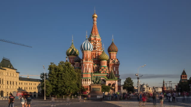 time lapse - st basil's cathedral and red square (zoom in) - moscow russia stock videos & royalty-free footage