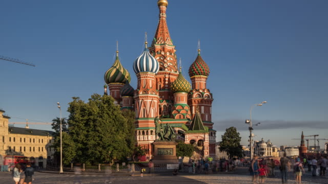 time lapse - st basil's cathedral and red square (zoom out) - russia stock videos & royalty-free footage