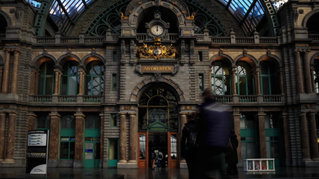 4K Time Lapse : Station of Antwerp