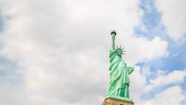 4k time lapse : statue of liberty - manhattan new york city stock videos & royalty-free footage