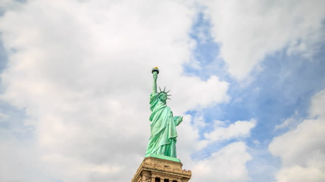 4K Time Lapse : Statue of Liberty