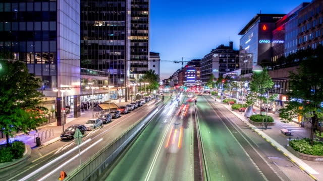 stockvideo's en b-roll-footage met hd time lapse: stockholm city street at night - seizoen