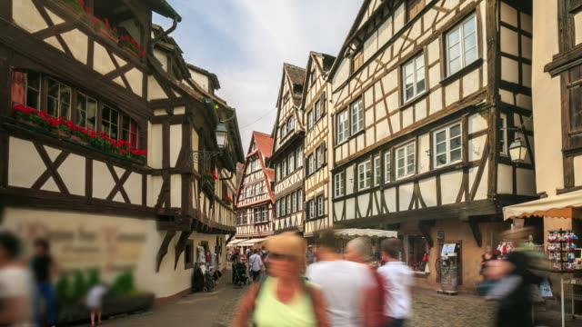 4k zeitraffer : straße blick auf straßburg - straßburg stock-videos und b-roll-filmmaterial