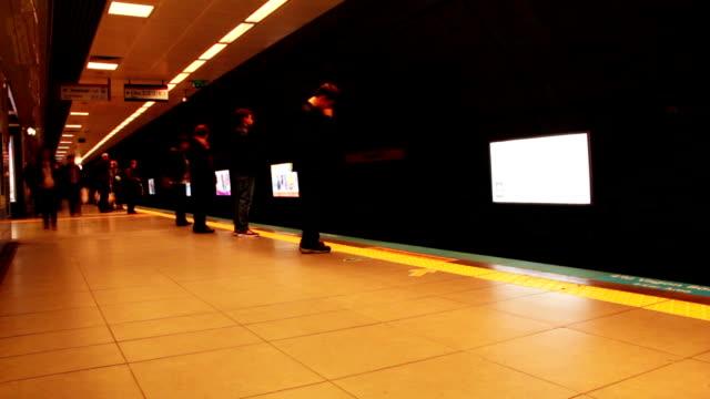 地下鉄のタイムラプス
