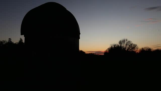 time lapse sunset at bayfordbury observatory, uk - optical equipment stock videos & royalty-free footage