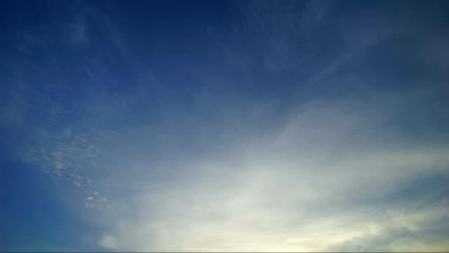 vídeos de stock e filmes b-roll de time lapse sunset cloud hd - condensação