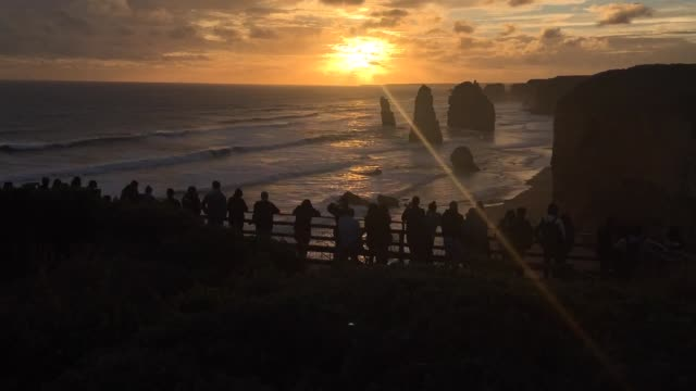 time lapse sunset over the twelve apostles at port campbell national park great ocean road in victoria australia - port campbell national park stock videos & royalty-free footage