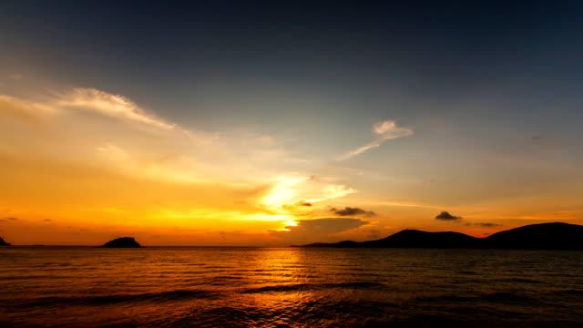 vídeos y material grabado en eventos de stock de lapso de tiempo de puesta de sol, amanecer sobre el océano. - orange nueva jersey
