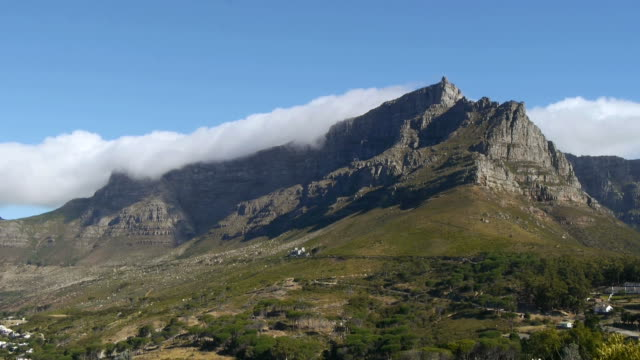 time lapse, table mountain,south africa - apse stock videos & royalty-free footage