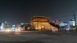 Time lapse: The crowd at Heunginjimun Dongdaemun